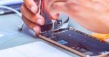 Названы способы избежать кражи данных при ремонте смартфона
