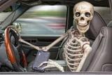 Гонщик показал, чем могут закончиться разговоры по телефону за рулем